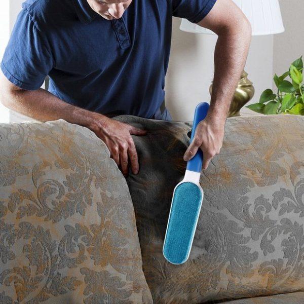 Utilisation de brosse anti-poils