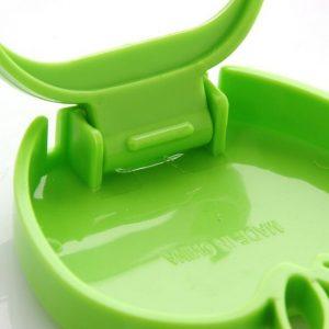 Économe / Éplucheur pour fruits et Légume Vert look pomme en PVC, Rangement facile