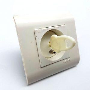 Lots Caches prise électrique avec  clés déverrouillage et protections d'angles pour meuble / Table