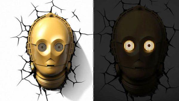 Mise en situation de la veilleuse Star Wars C3PO allumé / éteinte